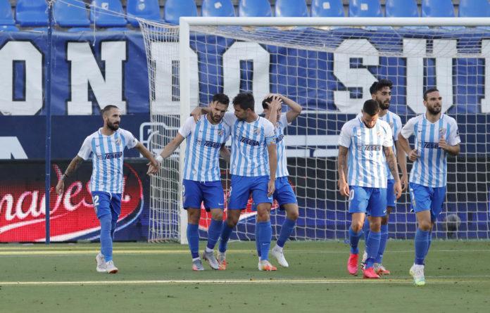 Sadiku y sus compañeros celebran gol en Málaga-Girona