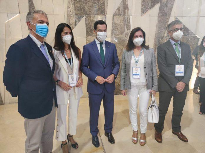 Moreno apuesta por una nueva sanidad con más infraestructuras y tecnología y la humanización como uno de los pilares