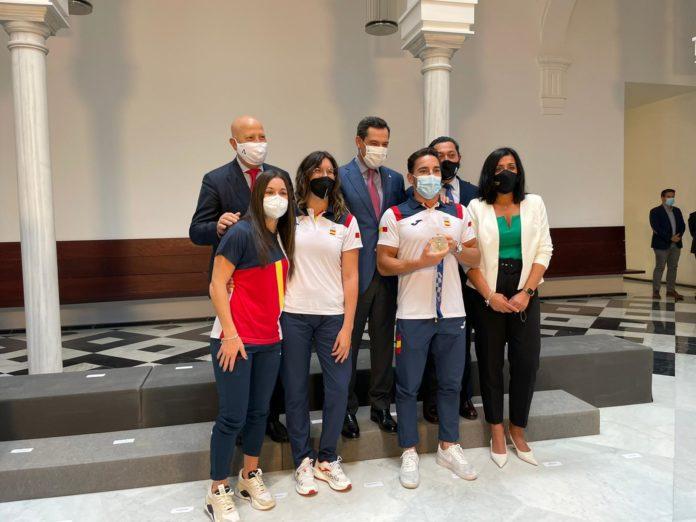 Los deportistas malagueños de Tokio distinguidos por la Junta